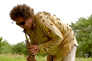 david_rothenberg_playing_cicadas_bug_music