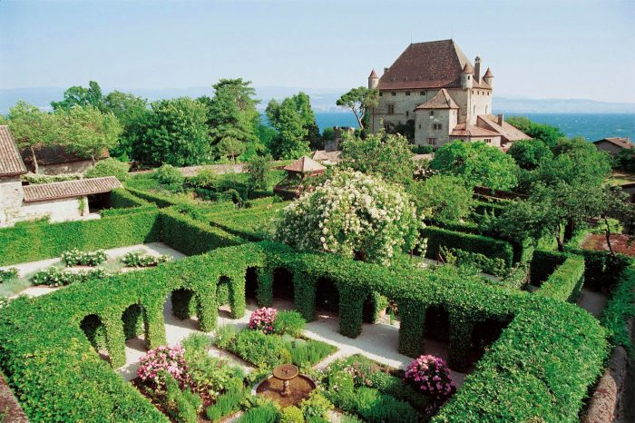 garden-five-senses-yvoire-cloister