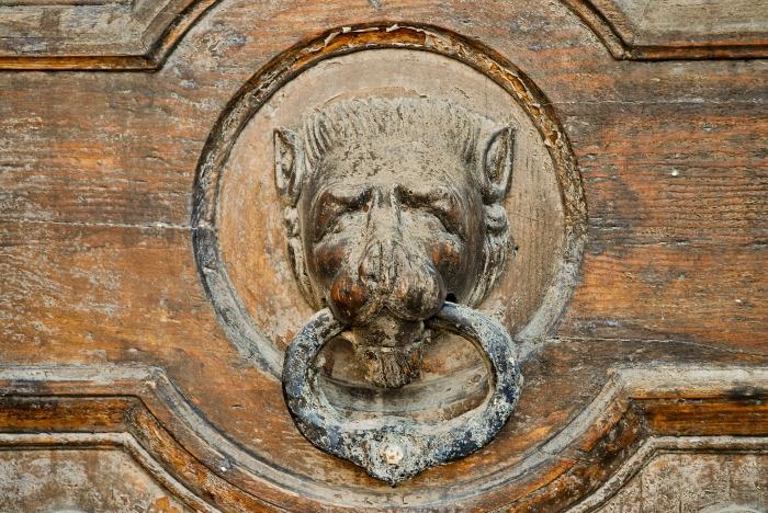 Vintage_door-knocker._Valletta,_Malta,_Mediterranean_Sea.jpg