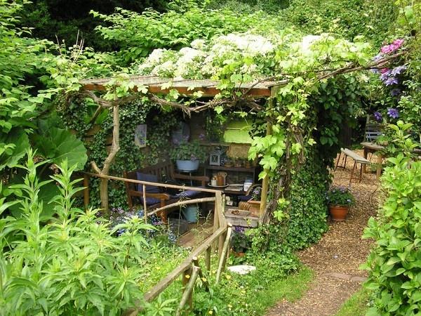 ee9f864953a82e08ee2103bd1c27c4de--rustic-gardens-interior-garden