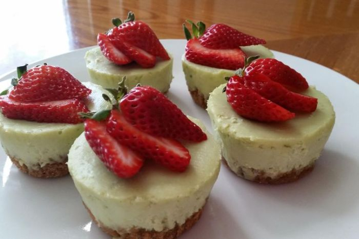 3a91589c-dc33-47cd-bd1d-e6bc24ce18a2--avocado_cheesecake