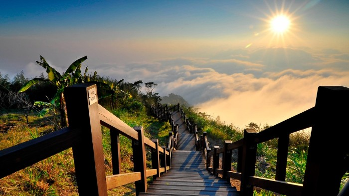 above-clouds-taiwan-hd-wallpaper.jpg