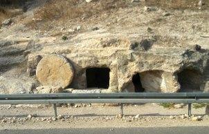 Round stone tomb