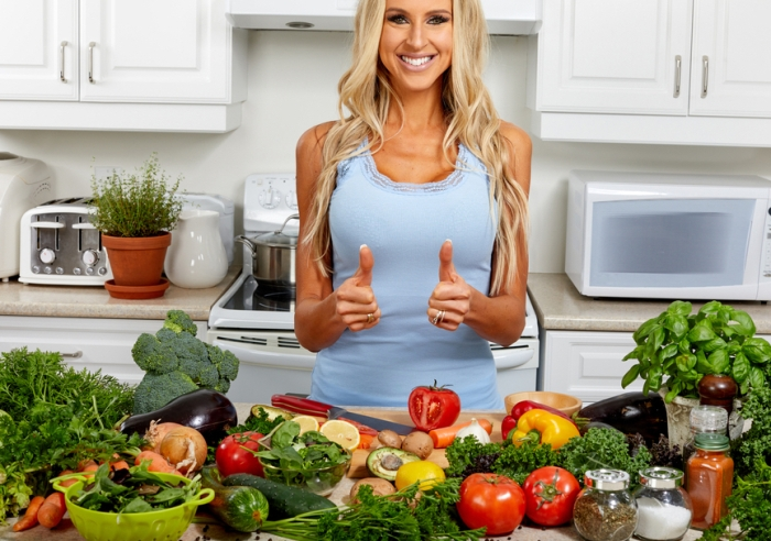 woman-kitchen-crop