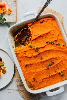 AMAZING-Sweet-Potato-Lentil-Shepherds-Pie-10-ingredients-quick-easy-methods-SO-satisfying-vegan-sweetpotato-lentil-plantbased-shepherdspie-thanksgiving-recipe-glutenfree-2