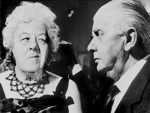 Margaret-Rutherford-as-Miss-Marple-and-Stringer-Davis-as-Mr-Stringer-in-MURDER-AT-THE-GALLOP-dame-margaret-rutherford-19733328-400-300
